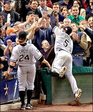 Juan Uribe Catch Angle