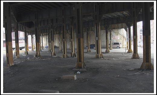 Pillars Metra track